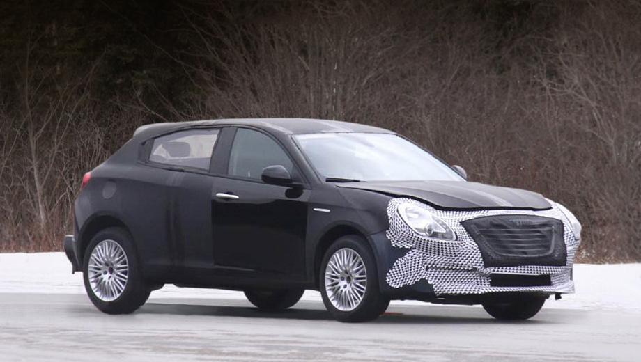 Chrysler 100. Автомобиль получил широкую решётку радиатора в стиле последних легковушек Крайслера, но профиль и задняя часть выдают в этой модели «итальянку».