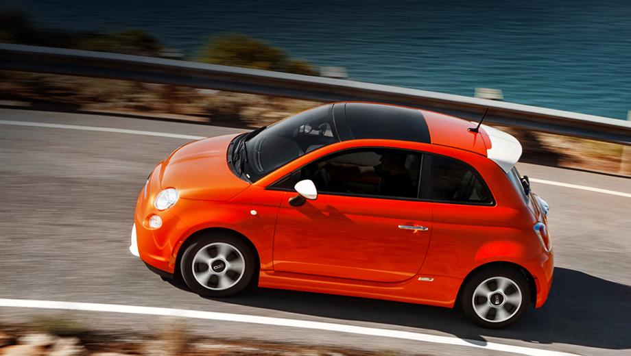 Fiat 500,Fiat 500e. Электрический «пятисотый» выходит на рынок в изначально богатой комплектации и нескольких доступных комбинациях цветов кузова и салона.