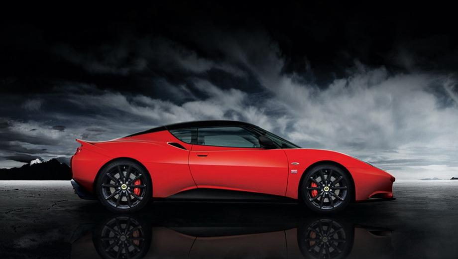 Lotus evora. На выбор покупателя четыре цвета окраски кузова — красный, синий, серый и белый.