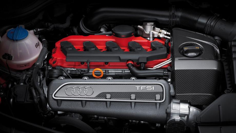 Audi tt rs,Audi rs3,Audi a3. На Audi TT RS Plus «турбопятёрка» 2.5 выдаёт 360 «лошадок». По современным представлениям — совсем немало, но для уверенной борьбы с соперниками хорошо бы иметь запас.