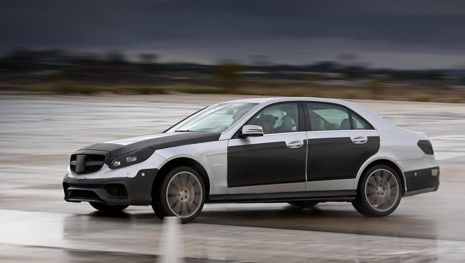 Mercedes e,Mercedes e amg. Пока снимков без камуфляжка рестайлинговой модели E 63 AMG нет. На фотографиях автомобиль укутан от посторонних глаз в плёнку.