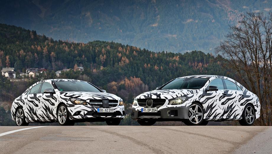 Mercedes cla. Закамуфлированные седаны CLA-Class (слева) и CLA 45 AMG в 2013 году торжественно разоблачатся и станут главными демонстраторами новой системы 4Matic. Надеются на успех.