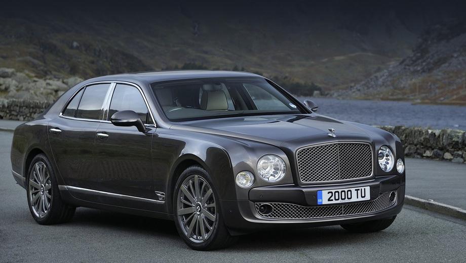 Bentley mulsanne. Снаружи модели 2013 года перемен не видать, но компания добавила в гамму цветов кузова три новых оттенка, а заодно на столько же расширила список возможных цветов интерьера.