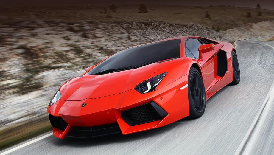 Lamborghini aventador. В отсутствие снимков юбилейной машины приходится довольствоваться изображениями версии LP700-4.