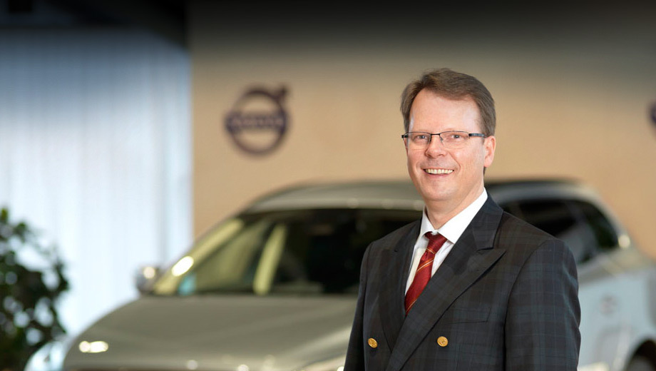 Volvo xc90. По словам Петера Мертенса, Volvo Cars получит полный контроль над процессом разработки будущих автомобилей. Компании не придётся идти на компромиссные решения, что имело бы место в случае сотрудничества с внешним поставщиком комплексного оборудования.