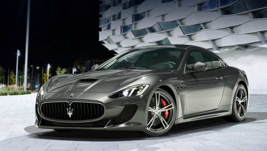 Maserati granturismo,Maserati granturismo mc. Внешность у машины 2013 модельного года изменилась вполне заметно. Рестайлинг выдаёт большая ноздря в углепластиковом капоте и новые кованые 20-дюймовые диски.