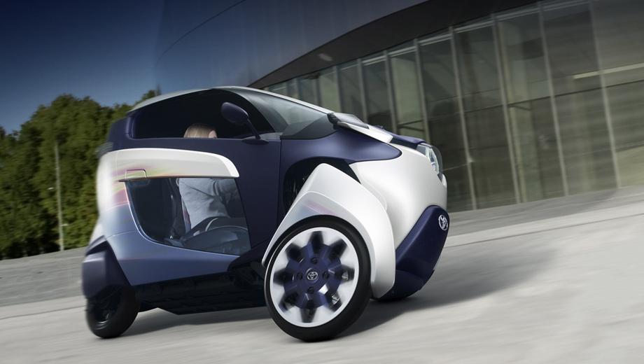 Toyota i-road. Весит i-Road всего 300 килограммов. Размерность шин у него непривычная: спереди стоят покрышки 80/80 R16, а сзади — 130/70 R10.