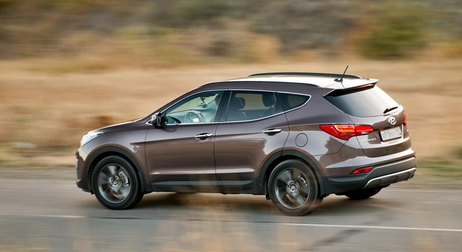 До сего дня передний привод на Санта Фе был доступен только с дизелем, что, конечно, не удешевляло автомобиль.