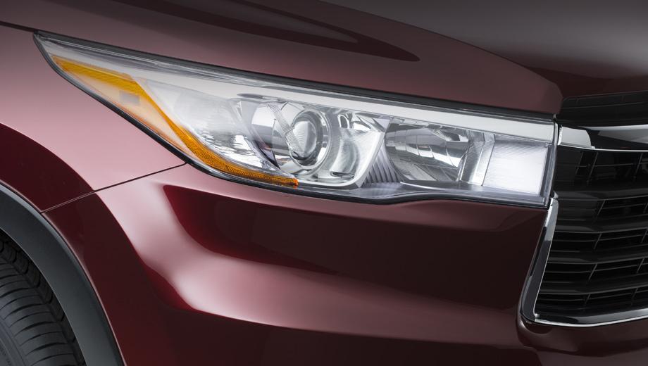 Toyota highlander,Scion tc. Фара у новичка симпатичная, но, на наш взгляд, самая интересная деталь «носа» — это решётка радиатора, куда более изысканная, чем на нынешней модели.