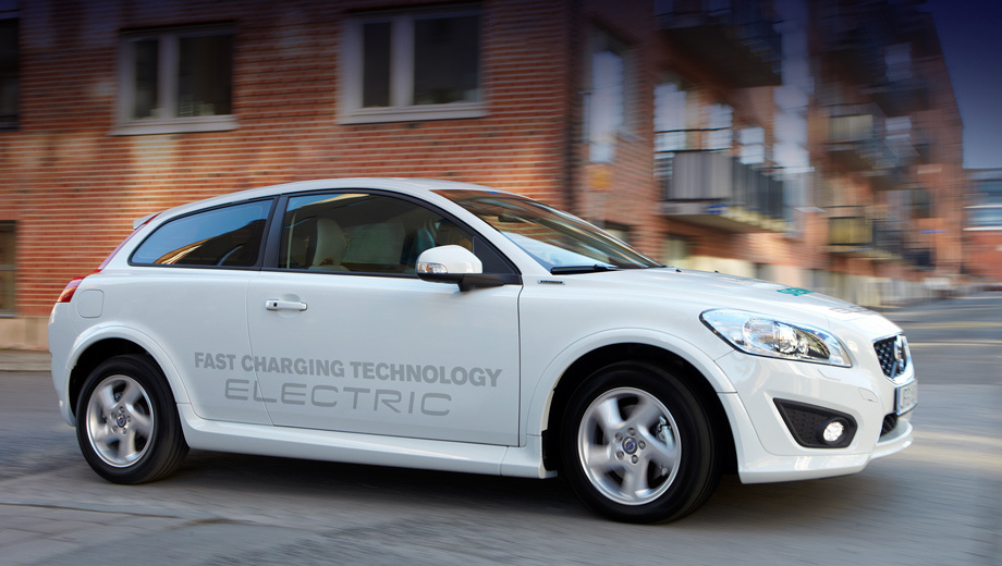 Volvo c30. Компания Siemens выбрана Volvo в качестве основного поставщика компонентов электрических силовых установок для новой платформы SPA, предназначенной для будущих легковушек шведской марки. На C30 эти узлы проходят тестирование в реальных условиях.