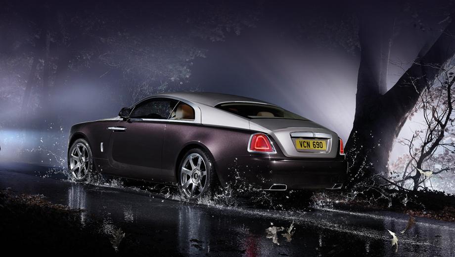 Rollsroyce wraith. Купе Wraith — самый мощный серийный Роллс, набирает 100 км/ч с нуля за 4,6 секунды.