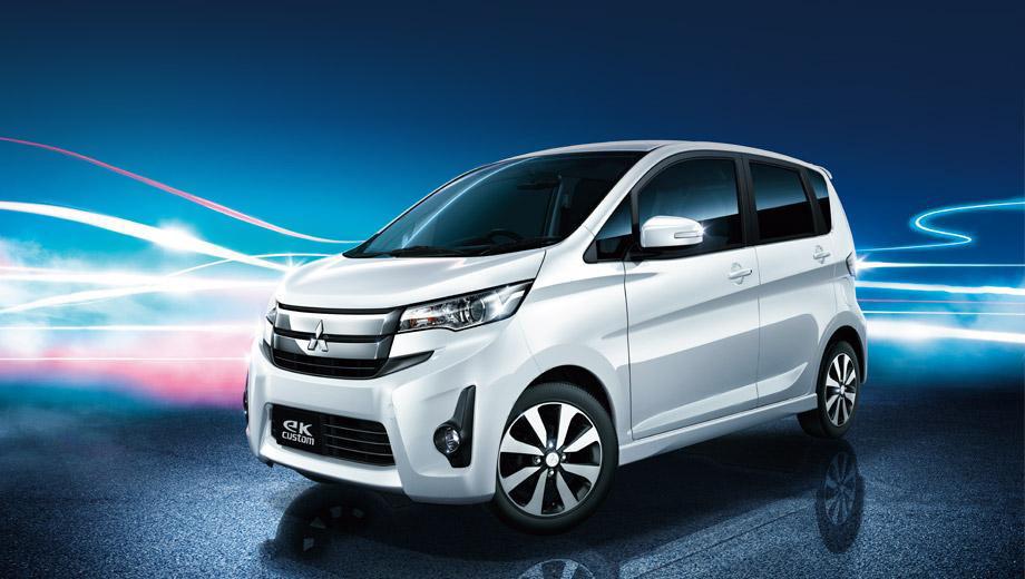 Mitsubishi ek. Для исполнений Wagon и Custom (на фото) предусмотрено по три уровня комплектации, при этом кузов первой модели окрашивается в восемь цветов, а второй — в четыре.