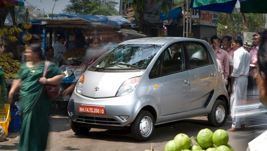 Tata nano. Индийцы также расширили гамму цветов для окраски кузова.