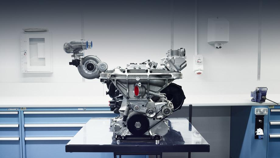 Jaguar c-x75. Этот агрегат 1.6 с двойным наддувом и удельной отдачей 313 л.с. с одного литра британцы начали создавать, когда появилось предположение, что «королева автоспорта» Формула-1 перейдёт на четырёхцилиндровую схему моторов (в итоге та остановилась на V6).