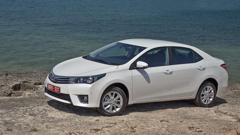 Toyota corolla. В России продажи новой Короллы начались 15 июля 2013 года. Покупателям предлагаются один тип кузова, три мотора и два типа коробок передач, 14 комплектаций и девять цветов кузова (четыре из них доступны модели впервые). Цены — от 659 000 до 1 026 000 рублей.