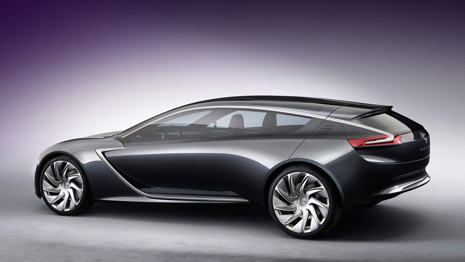Opel monza. Длина новинки составляет 4,69 метра.