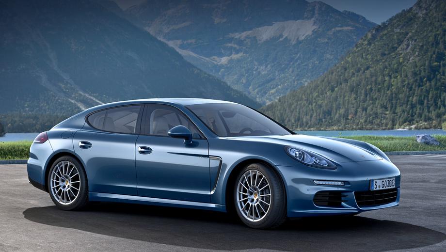 Porsche panamera. Модель Porsche Panamera Diesel с 300-сильным турбодизелем и автоматической коробкой передач выпивает в среднем 6,4 л топлива на 100 км (у машин с 250 силами — 6,3 л). Выбросы CO2 — 169 г/км (было 166). При этом снаряжённая масса обновлённой дизельной Панамеры равняется 1,9 тонны.