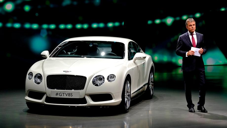Bentley continental gt. Анфас версию S можно отличить от стандартной по иному переднему бамперу и наличию сплиттера.