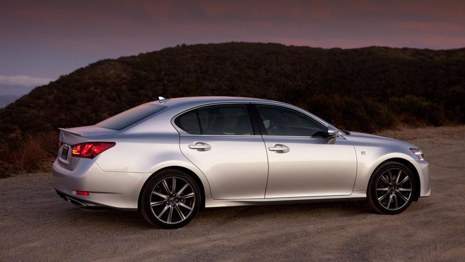 Lexus gs. Новая коробка передач сократила расход автомобиля на трассе на 0,3 литра на 100 км. (На фото седан с пакетом F Sport.)