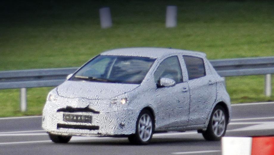 Toyota yaris. Перед широкой публикой перекроенный хэтчбек, скорее всего, предстанет в марте 2014 года в Женеве.