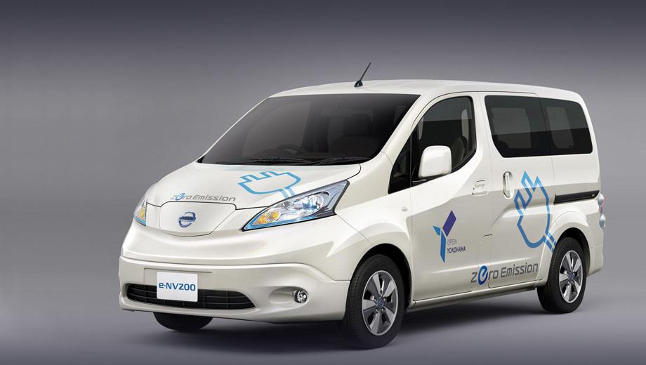 Nissan e-nv200,Nissan nv200. Перекликающийся с оформлением хэтчбека Leaf нос фургона получил слегка тонированные фары.
