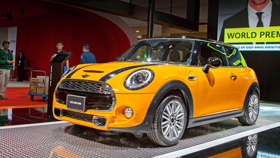 Mini cooper,Mini cooper s. Как и прежде, Mini — это масса вариантов для персонализации автомобиля. Большая палитра цветов кузова и крыши, коллекция дисков и разнообразных наклеек.
