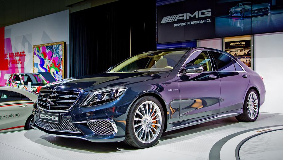 Mercedes s,Mercedes s amg. От стандартного седана S 65 AMG отличается другими бамперами, воздухозаборниками, а также патрубками выхлопной системы и шильдиками.