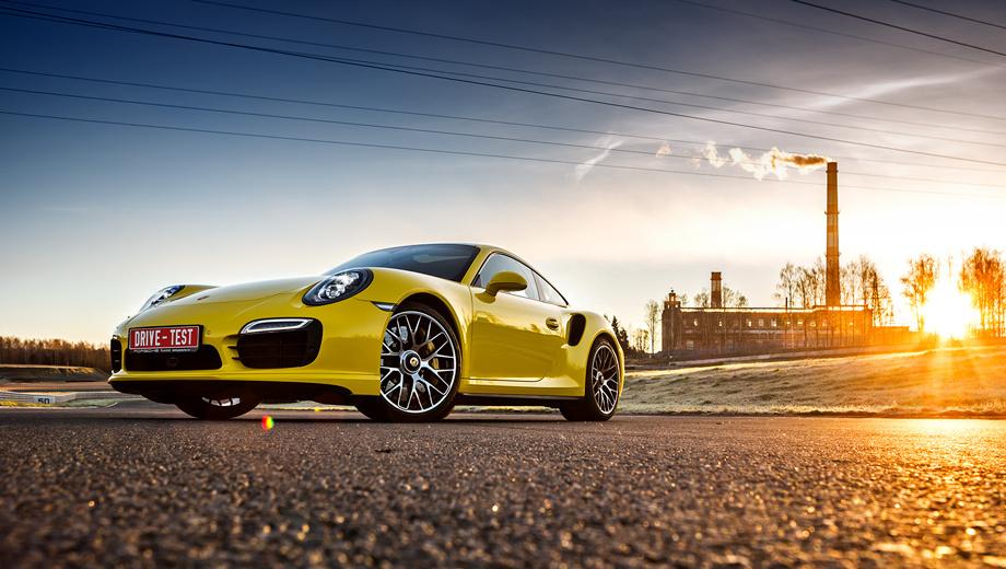 Porsche 911 turbo,Porsche 911. Новая топ-модель всего на 30 л.с. мощнее предшественницы и на 0,2 с быстрее набирает 100 км/ч с места. А цена выросла более чем на миллион. Сегодня за Turbo S просят не менее 10 006 000 рублей (просто Turbo стоит минимум 8 307 000).