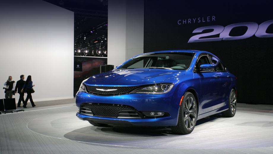 Chrysler 200. Перед нами ни много ни мало новое лицо Крайслера. В этом направлении позже двинутся другие легковые модели бренда.