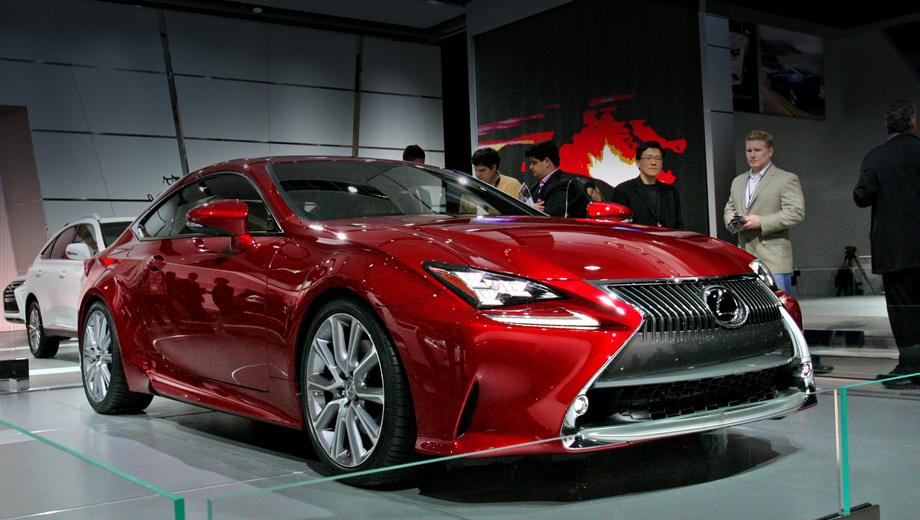 Lexus rc. Как утверждает производитель, в зависимости от освещения и угла обзора цвет автомобиля меняется от серебристого до глубокого красного.
