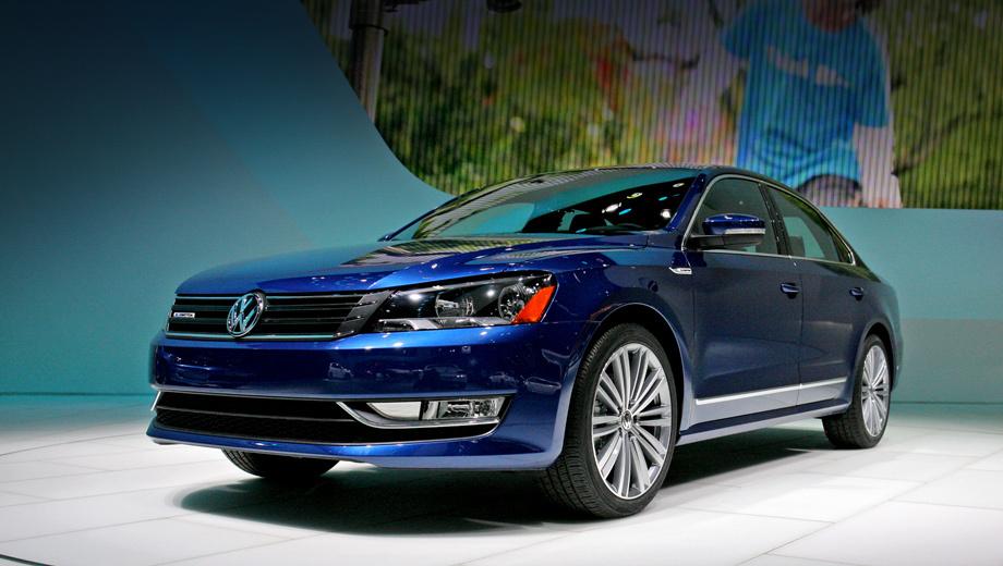 Volkswagen passat,Volkswagen passat bluemotion concept. Чуть пересмотренная решётка радиатора, дополнительные полоски хрома, спойлер на крышке багажника — вот практически всё, что внешне отличает концепт от серийных «собратьев».