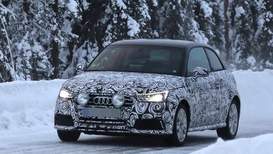 Audi s1. Спереди хот-хэтч выдают иные фары и новый бампер с крупными воздухозаборниками.