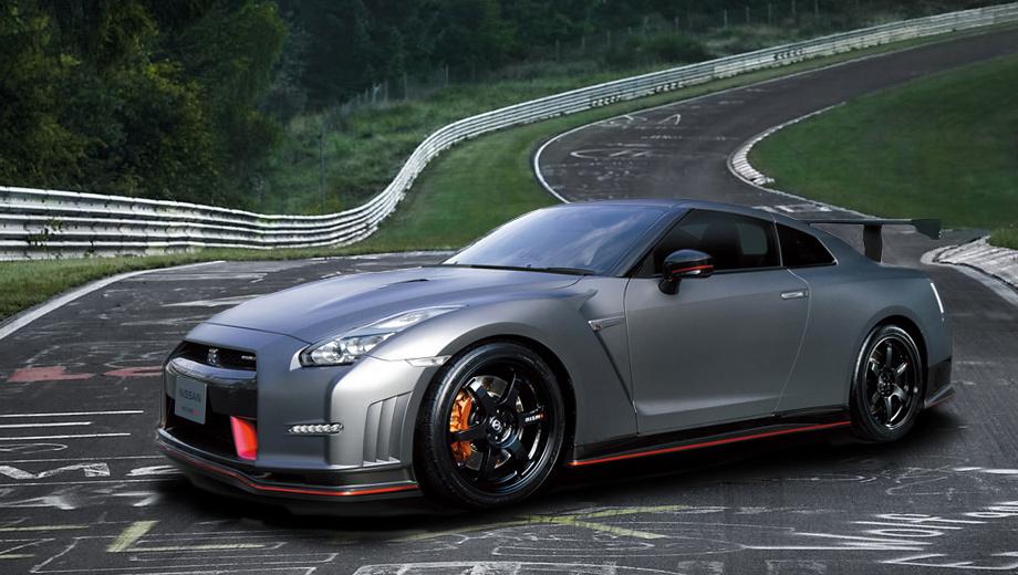 Nissan gt-r. Очевидцы утверждают, что часть днища у машины, установившей рекорд, была закрыта углепластиковыми щитками, остался ли этот элемент на серийном образце — пока достоверно неизвестно.