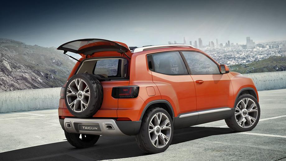 Volkswagen taigun. Новые задняя дверь, бампер, фонари — практически единственные перемены по сравнению с первой версией, не считая новых цветов кузова и интерьера. Но зато теперь появилось больше подробностей о самой машине.