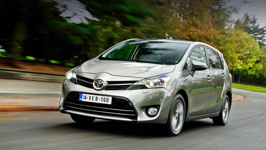 Toyota verso. Визуальных отличий от автомобилей прошлого модельного года у новой версии Verso нет.