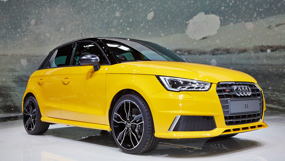 Audi s1. Хэтчбек Audi S1 отличается от своих гражданских «собратьев» новой головной оптикой и задними фонарями с изменённой графикой.