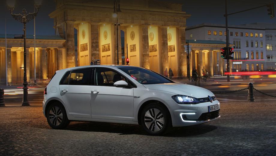 Volkswagen golf,Volkswagen e-golf,Volkswagen up,Volkswagen e-up. Ключевые данные серийного электрокара e-Golf: мощность электродвигателя — 85 кВт, разгон 0–100 км/ч — 10,4 с, максималка — 140 км/ч, средний расход электричества — 12,7 кВт•ч/100 км, ёмкость батареи — 24,2 кВт•ч, запас хода в смешанном цикле — 190 км.