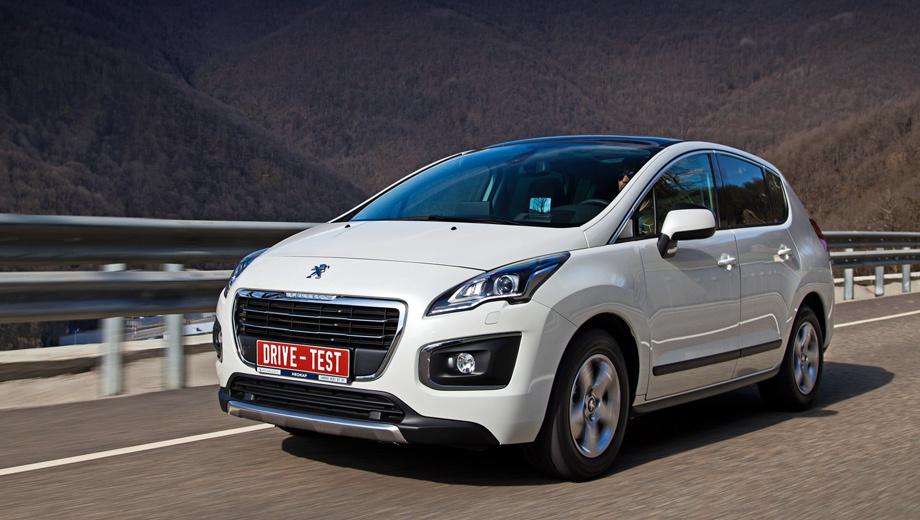 Peugeot 3008. Радиаторная решётка меньшего размера и новый рисунок колёсных дисков снижают аппетит кроссовера. Обновлённый «три тысячи восьмой» с каждой сотни километров привозит 200 грамм сэкономленного топлива.