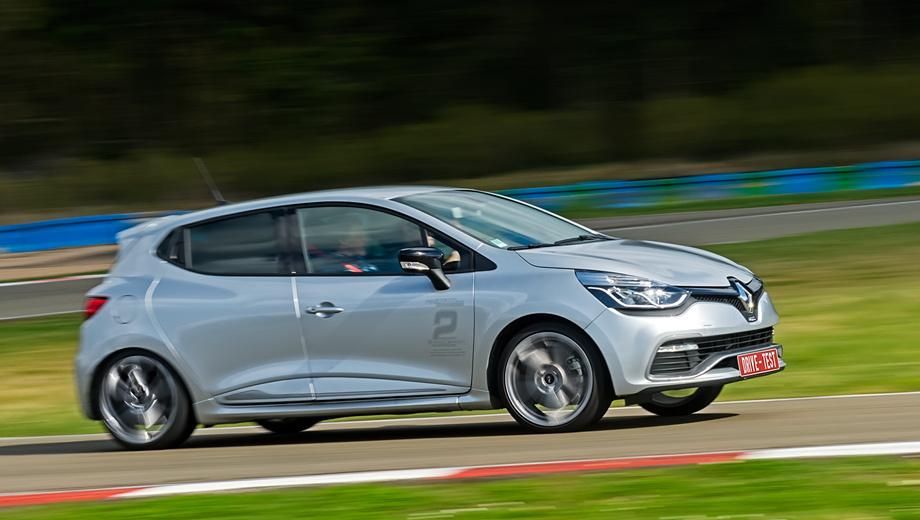 Renault sport,Renault clio rs,Renault clio. Clio RS четвёртого поколения за 1 049 000 рублей — не самая борзая машина отделения Renault Sport, и это может сделать её одной из наиболее успешных. В Renault говорят, женщины активно интересовались Clio RS III, но им был нужен «автомат». Хот-хэтч с «механикой» — устаревшая концепция. Теперь ему положено быть двухпедальным.