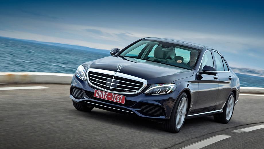 Mercedes c,Mercedes c w205. Новое шасси с передней двухрычажкой и удлинённой базой — самое сбалансированное в классе. Жаль, в ущерб комфорту. Мне «цешка» показалась ещё и самой тихой среди конкурентов. Немцы уверяют, что это фактически так.