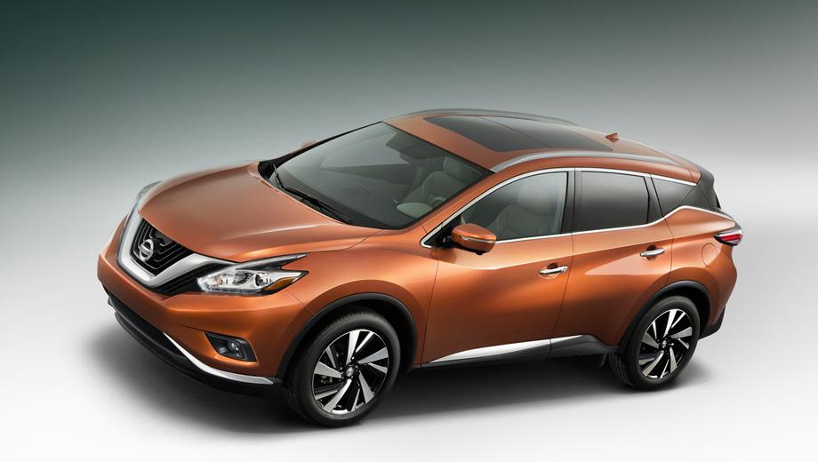 Nissan murano. Новая V-образная решётка радиатора и совсем другие по форме фары сделали внешность кроссовера ярче по сравнению с предшествующей моделью. Площадь панорамной крыши увеличилась на 40%.