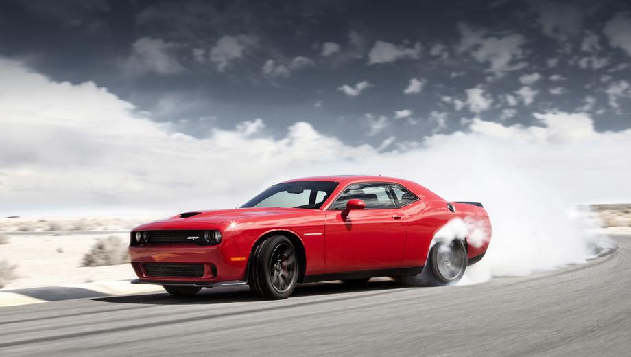 Chrysler 300c,Dodge challenger. Купе Dodge Challenger 2015 модельного года и Challenger SRT, в том числе самая мощная версия Hellcat, поступят к дилерам в третьем квартале 2014-го.
