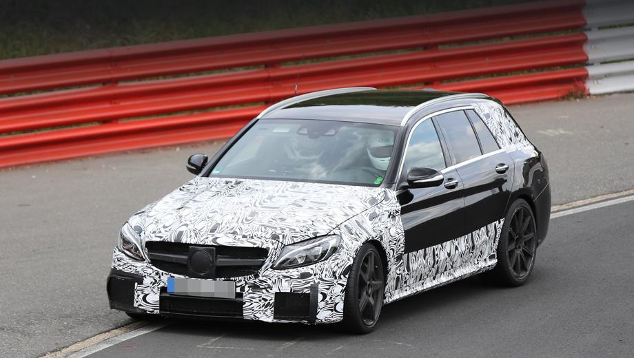 Mercedes amg. Преимущество электронаддува в большей степени проявляется именно в мощных моторах, так что стоит ждать дебюта новации именно в моделях AMG, а позднее, может быть, и на обычных Мерседесах. Но едва ли это случится в нынешнем поколении машин (на фото — универсал C63 AMG на тестах).