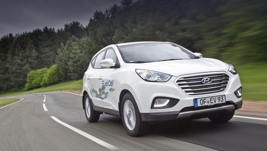 Hyundai ix35,Hyundai ix35 fuel cell. Водородный ix35 можно увидеть не только на его родине, но и в Европе, и в США. Номинальный пробег на одной заправке — 594 км.