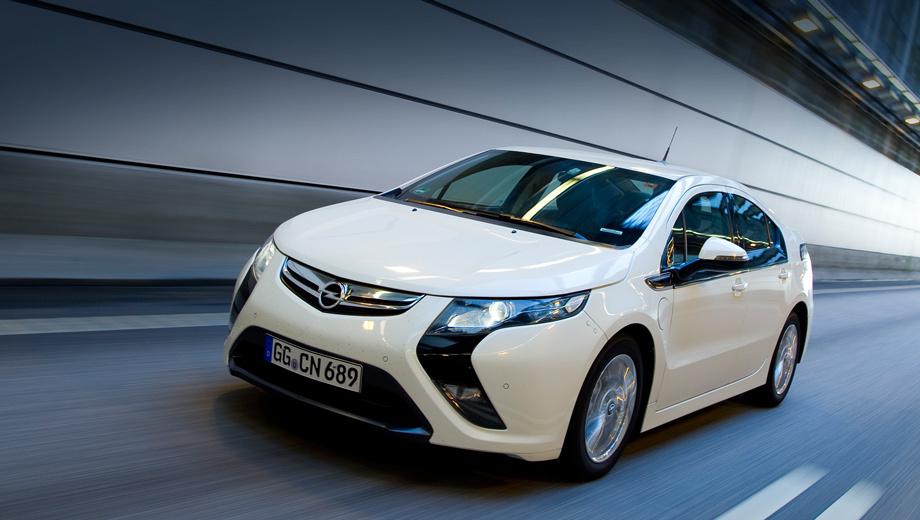 Opel ampera. К середине нынешнего года в мире было продано 75 000 хэтчбеков-близнецов от GM, и 63 000 из них — Chevrolet Volt. А ведь Opel Ampera и Volt отличаются только внешностью. Может, перехвалили мы опелевский дизайн?