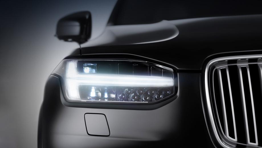 Volvo xc90. Т-образные ходовые огни дизайнеры окрестили Мьёлльниром (Молотом Тора) в честь инструмента бога грома и бури из скандинавской мифологии. Разработчики рассчитывают, что по «молоту» водители будут мгновенно и безошибочно узнавать Volvo XC90 в зеркалах заднего вида.