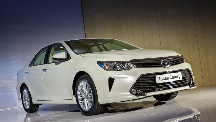 Toyota camry. Локальное производство седанов с новым двухлитровым мотором начнётся в ноябре 2014-го, а в продажу первые Camry с таким двигателем поступят в декабре. Тогда же станут известны и цены.