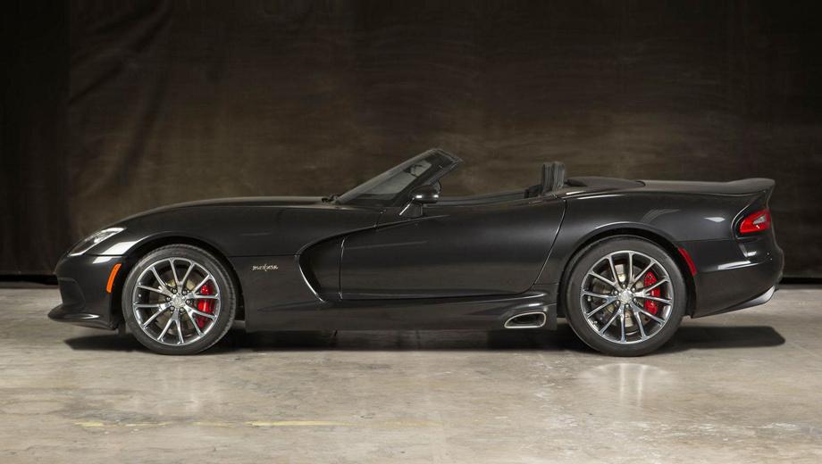 Dodge viper. Родстер с мягким складным верхом Viper Medusa Roadster от корпорации Prefix (специализация — инжиниринг, макетирование) был представлен в конце июля 2014 года. Планируется собрать всего 10 экземпляров, основанных на «пятом» Вайпере (плюс $35 тысяч к цене базовой машины), и посмотреть на спрос. Данную стороннюю переделку можно рассматривать и как прообраз конвейерной версии от самого Доджа.
