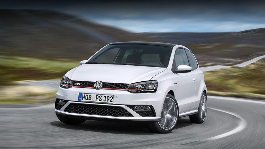 Volkswagen polo,Volkswagen polo gti. У обновлённого Polo GTI «спортивный» передний бампер и сотовая решётка, подчёркнутая красным только снизу. Шильдик GTI сместился поближе к правой фаре.
