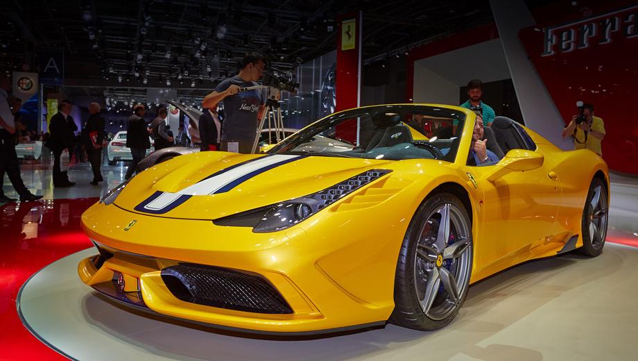 Ferrari 458 italia,Ferrari 458 speciale a,Ferrari 458 speciale,Ferrari 458 spider. Лимитированная модель окрашена в трёхслойную жёлтую эмаль и щеголяет тройной полосой по центру, выполненной в цветах Blu Nart и Bianco Avus, а также коваными пятиспицевыми дисками Grigio Corsa.